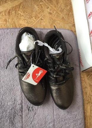 Оригінальні фітнес кросівки sprandi
