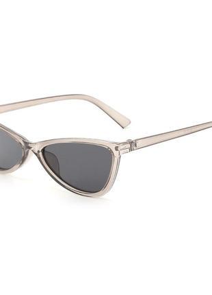 Серые женские солнцезащитные очки глянцевые кошечки cat eye новинка