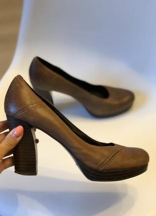 Стильные коричневые туфли 5th avenue 39 р