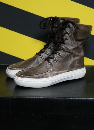 Высокие кожаные кеды-ботинки