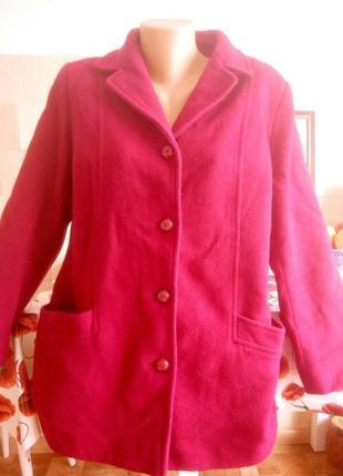 Пальто теплое 80%шерсть цвет спелая вишня р 14