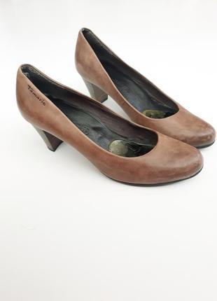 Туфлина среднем каблуке отtamaris