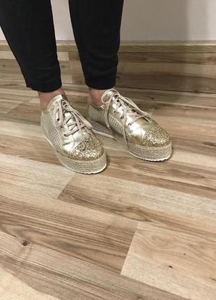 Обувь divine follie