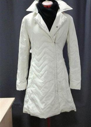 Осеннее пальто на поясе, куртка тонкое, легкое, на пуху размер м + белый хомут в подарок