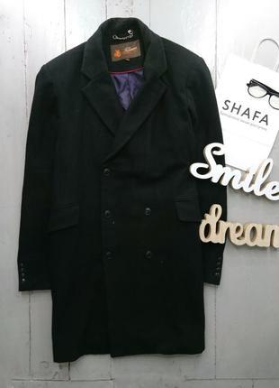 Стильное шерстяное двубортное пальто прямого силуэта