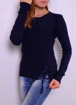 Шерстяной свитер со шнуровкой. европа