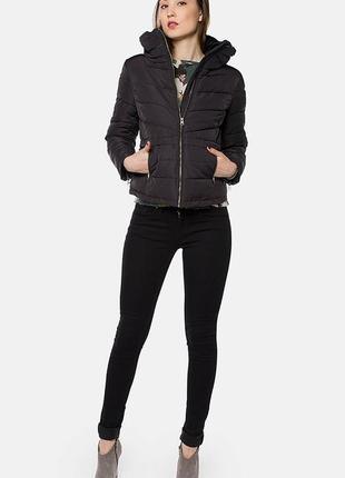Модная короткая теплая стеганная куртка  евро зима
