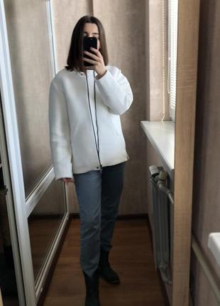 Белый бомбер куртка h&m