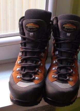 ... Meindl gore-tex- трекінгові шкіряні черевики. р- 442 ... 3e31ca3e3f60b