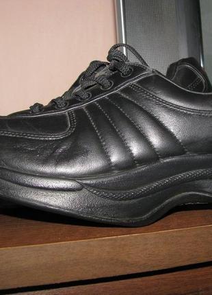 Кроссовки кожаные для похудения chung shi, как mbt 39,40 стелька 25,5 см.