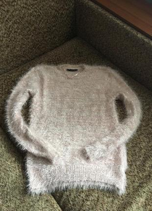 Нежный пушистый пудровый свитерок
