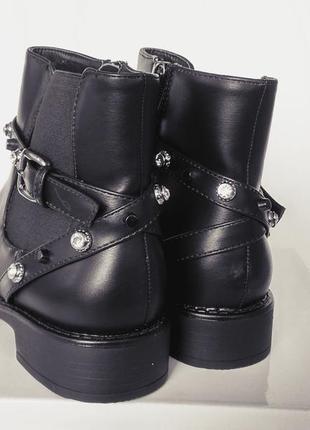 Ботинки демисезонные! качество отличное!3