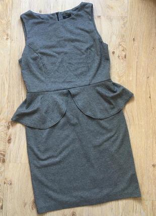 Платье с баской m&co