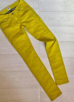 Красивые джинсы с кожаным напылением asos