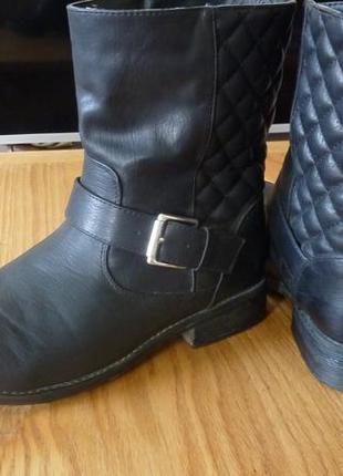 Ботинки на низком каблуке house