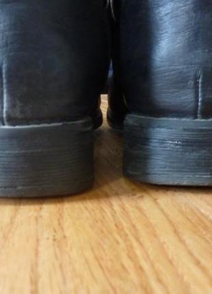 Ботинки на низком каблуке house5
