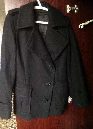 Чёрное женское пальто, пиджак