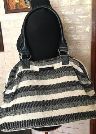 Черно-белая тканевая сумка