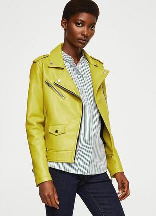 Желтая куртка mango. женская кожаная куртка, яркая  кожанка