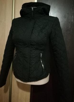 Демисезонная куртка new look стеганая