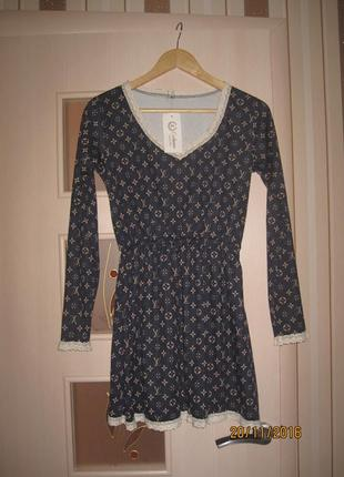 Платье размер 42-46 только цвет платья синий