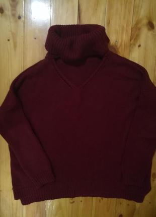 Свободный свитер-разлетайка цвета марсала