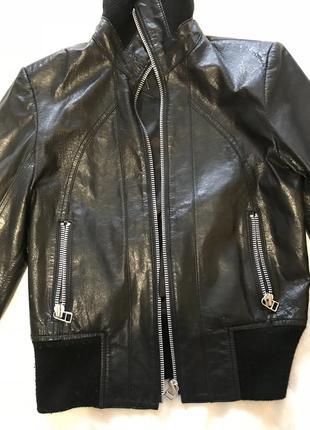 Продам модную кожаную куртку