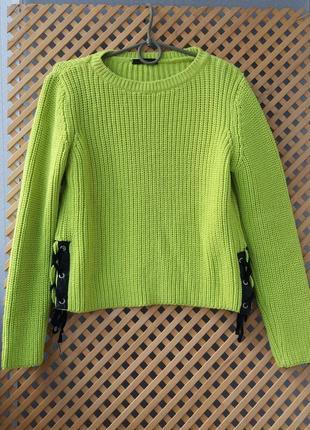 Стильный яркий свитерок