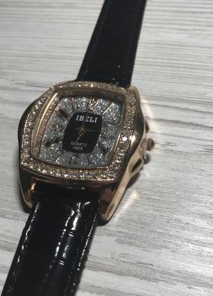Новые наручные часы, наручний годинник ibela a629