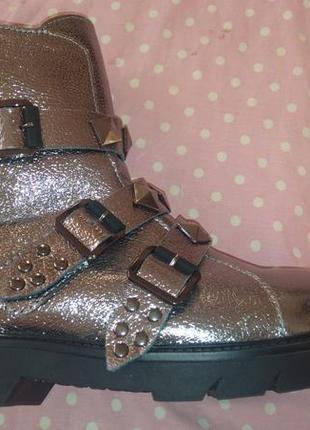 Кожаные ботинки актуальная модель в этом году