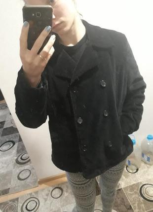 Демисизонное хлопковое замшевое вельветовое бархатное пальто. на утеплителе.
