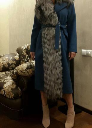 Эклюзивное шикарное шерстяное пальто с чернобуркой