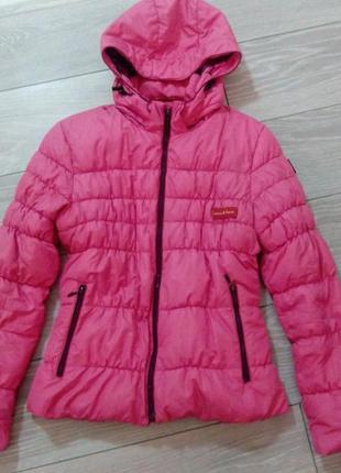 Куртка ярко-розового цвета/осень-зима