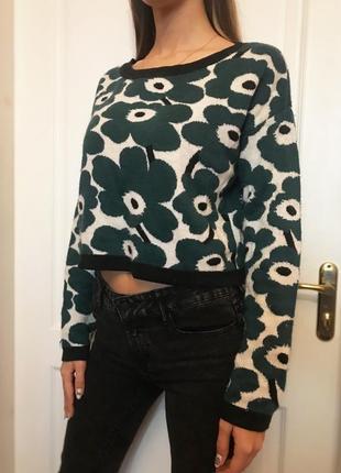 Шерстяной укорочённый свитер