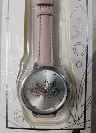 Часы мандала -цветок лотоса,серия чакра