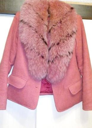 Продам пальто с мехом натуральным