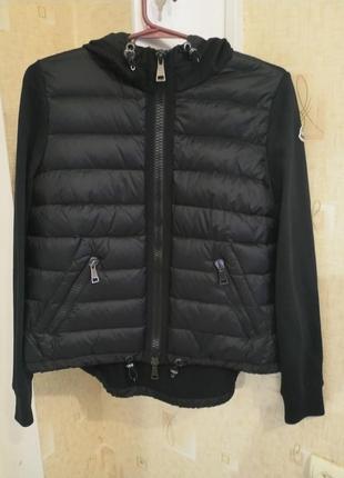 Брeндовая куртка moncler