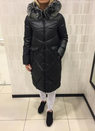 Чёрное пальто еврозима тёплое пальто с капюшоном. mohito. размеры разные.