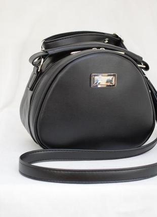 Красивая сумочка черная