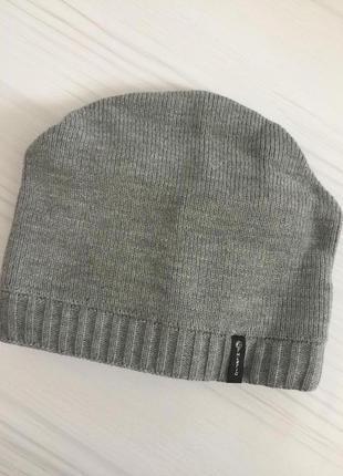 Спортивная шапка/ светло- серая шапка athletic