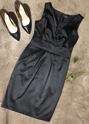 Чёрное классическое строгое платье миди