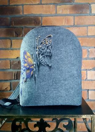 """Рюкзачок из войлока """"бабочки"""""""
