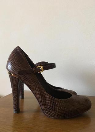 Туфли на каблуке из кожи питона натуральная кожа 37 размер!!