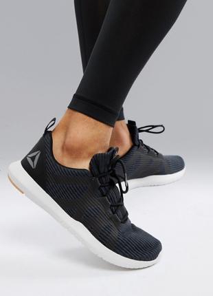 Черные кроссовки reebok training