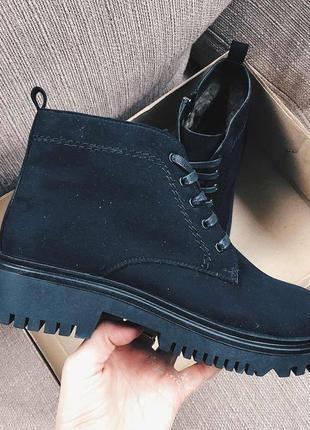 Женские ботинки на меху, черные