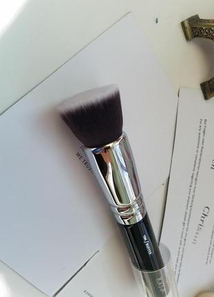 Кисть zoeva 104 buffer face brush для нанесения тонального крема