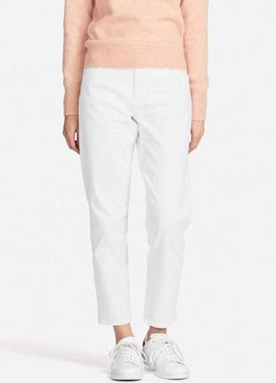 Джинсы armani jeans молочного цвета