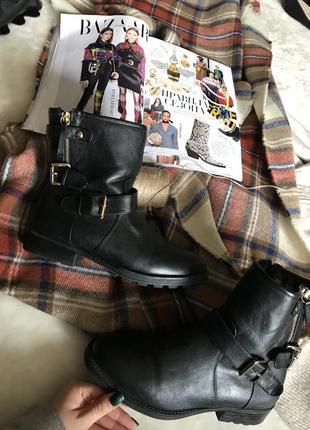 Чёрные ботинки с пояском f&f