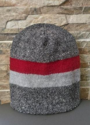 Твидовая серая шапка
