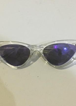 Очки с фиолетовыми стёклами